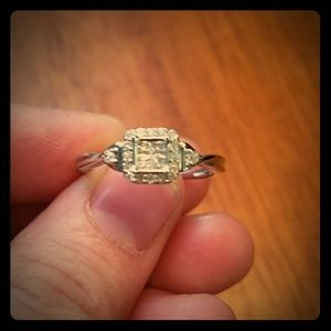 1/4 carrot diamond engagement ring